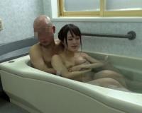 【FANZA動画】風呂場という密室での人妻と間男が不倫セックスする動画。生々しく再現した本格的なドラマで大人のAV動画。