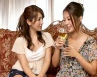 〖熟女レズ〗久しぶりに再会した義姉妹 大きな乳房を求め合う