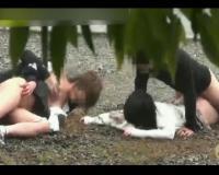 【個人撮影】マジのやつだこれ…下校中のJK2人組が力ずくで犯されてる現場映像