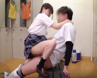 〚女子校生〛野球部の女子マネージャーが付きっきりで男子部員を射精管理!!可愛すぎなJKが肉便器なって集中力を上昇!!