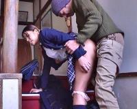 ◆無料動画◇制服姿のデカパイ黒GALと階段でSEX■□Pornhub□■