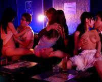 《桜空もも》『おちんちん入れてもいいですよ♡』爆乳が卑猥なランジェリーコスプレ風俗嬢とデカチン即ハメな企画!