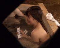 《JD混浴企画》『すご〜い♡おちんちん大きいんですね♡』スレンダー女子大生が浴企画で発情w3P乱交輪姦セックスがエロいw