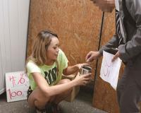 【ギャル企画】『並んで〜!100円でちんちん気持ちよくしてあげるからね♡』美人な黒ギャルお姉さんがデカチン巨根をご奉仕w