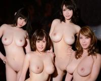 【ハーレム】「いっぱい射精して♡」美女から美魔女までムチムチ巨乳おっぱいの美人姉妹とヤリまくりの全裸生活がエロ過ぎ