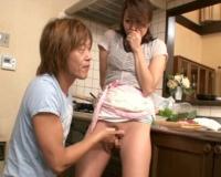 [山本美和子]旦那が居ても関係ない…息子は母のカラダをいじくり回し快楽を求め母子相姦!