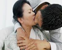 【70代古希初撮り】『未亡人だからたくさん愛して♡』ぽちゃ婆様が若い男に手コキ口淫乳首舐めご奉仕ぶっかけセックスしちゃう!