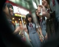 【JKナンパ】修学旅行ツインテール女子高生が巨根デカチンを手コキフェラさせられせバイブ責めで大人の階段上る!