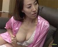 【四十路】「見ちゃったんですよね」隣のセクシーな美人妻に不倫の事実をつき付けたら、ピンク乳首の美乳をチラつかせて誘ってきました