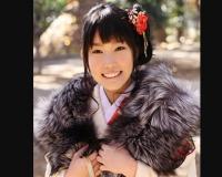着物姿のツルツルスジのパイパンロリロリ美少女YOSHINOちゃんと強●姫始め!