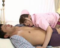 【痴女乳首責めエロ動画】波多野結衣 痴女ナースの診察はベロチューから始まり乳首舐め・フェラの後、「肛門の中50℃ぐらいありますよ?」アナルに指突っ込んで浣腸!
