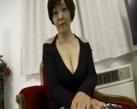 【個人撮影】 熟女 爆乳熟女が初撮り五十路妻ドキュメント!えェっ中ダしまで・・・