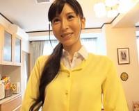 スレンダーちっぱいの四十路ハーフ美女の自宅でハメまくる! 朝倉・アヴィゲイル・日菜子