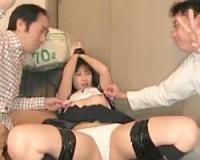 本澤朋美/神待ち掲示板最高っとおじさん達大歓喜w現れた黒髪セーラー服のマ○コを皆で玩具攻め