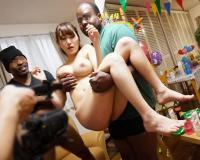 【本物NTR話】黒人英会話講師宅のホームパーティーで泥酔した専業主婦が巨根に寝取られた一部始終