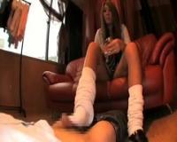 バリバリの黒ギャルJKにルーズソックスで足コキして貰いたい!