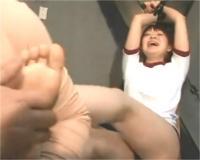 くすぐり こちょこちょ 敏感な足裏を集中的にコチョコチョ責め v(≧∇≦)v