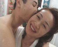 【人妻3本】 高島あけ美 無修正動画「母●●姦 お母さんも欲しいの…」 他
