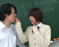 【魔法あり】 教室で同級生に生ハメされる、童顔ショートの女子校生。