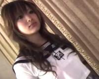 【素人生ドル】19歳「Eカップ巨乳」学生が制服コスプレから、ちんこ踏み!