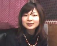 【赤面手コキ】素人美女がチンコを出されてドン引き!嫌がりながら手コキしちゃう【センズリ鑑賞/ガチ素人/ナンパ】