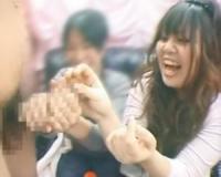 【赤面手コキ】「すごい!デカイ」デカチンに興奮!思わず手コキ抜き/素人AV出演/センズリ鑑賞/CFNM手コキ