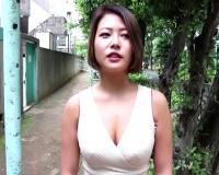 【Gカップ・ヤリマン】「やる?♡いいよー♡」ショートカットのS顔にムチムチ巨乳おっぱいの褐色肌ギャルと濃密ハメ撮りSEX【pornhub】