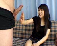 「大きい♥」チ○ポ見せられいきなり触っちゃう変態な美女!バストトップも見せてフェラしてくる大胆なセンズリ鑑賞!!